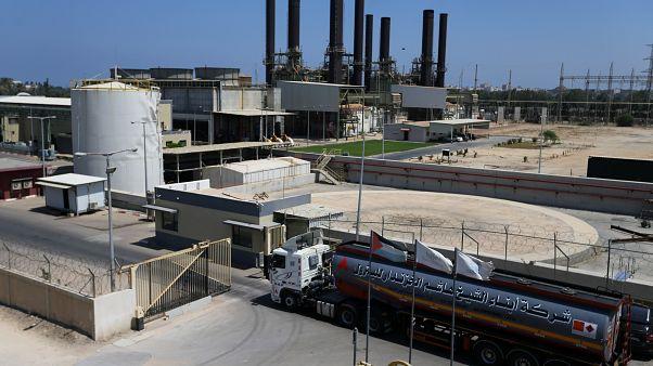 قطر وإسرائيل تبحثان مد خط كهرباء جديد إلى غزة