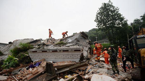 Разрушительное землетрясение в провинции Сычуань