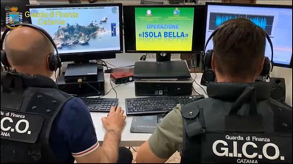 Δεκάδες συλλήψεις στη Σικελία