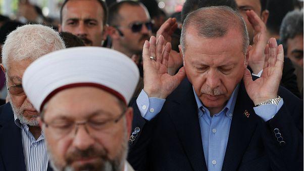 اردوغان پس از اقامه نماز میت غیابی: مُرسی به مرگ طبیعی نمرده است