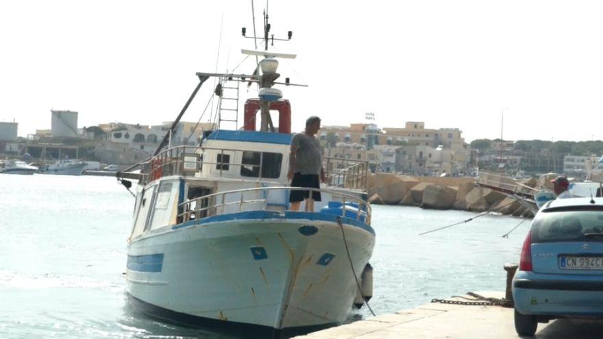 """سفينة الإنقاذ """"سي ووتش"""" في عرض المتوسط والسلطات الإيطالية تتوعد مسؤوليها"""