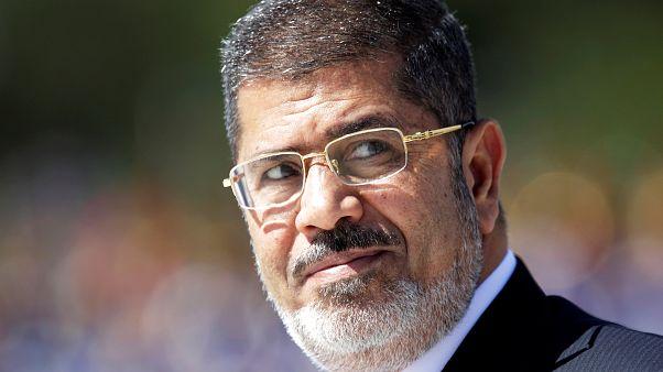 """شاهد: أهالي قرية العدوة مسقط رأس مرسي يصلون عليه """"الغائب"""""""