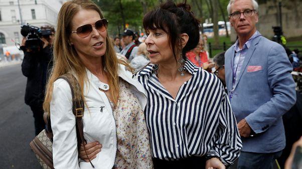 إدانة رجل أسس ناديا سريا للنساء وأجبرهن على تقديم مواد إباحية