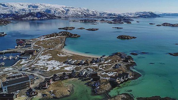 L'île de Sommarøy au premier plan