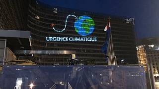Climate emergency highlighted by Greenpeace in Brussels