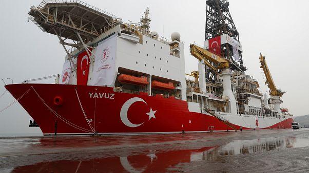 Κυπριακή ΑΟΖ: Τουρκικά πολεμικά υποστηρίζουν τις παράνομες ενέργειες