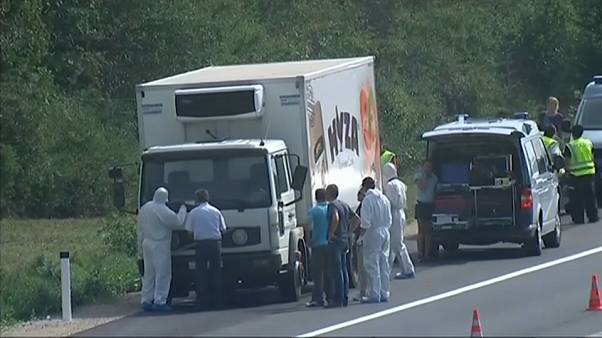 Un juez húngaro amplía a cadena perpetua la condena por la muerte de 71 refugiados