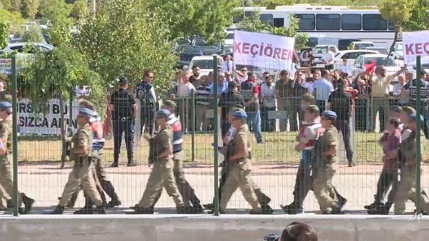 Turchia, tentato golpe: pioggia di ergastoli per gli oppositori
