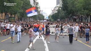 """Serbia, test di ingresso al liceo """"spifferato"""" online: gli studenti chiedono dimissioni del ministro"""