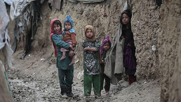 Afganistan'ın başkenti Kabil'in dışında bir göçmen kampı