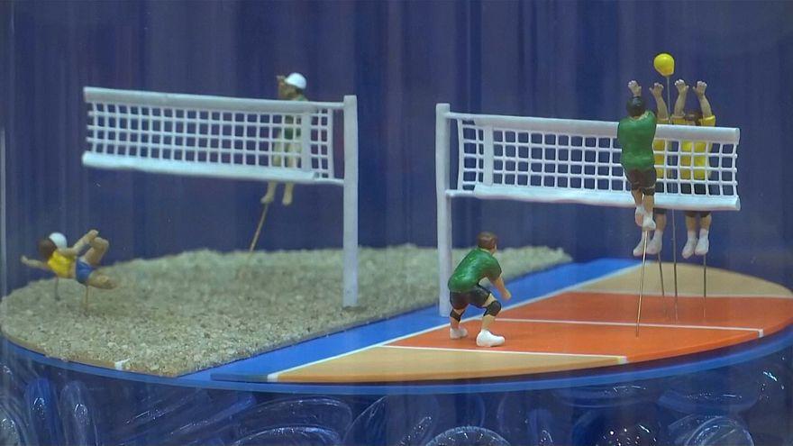 Tokyo 2020'de yer alacak 55 sporun minyatürleri sergileniyor: Kaykay, sörf ve softball da var
