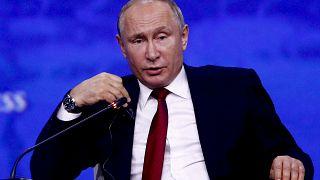 Putin: ABD, Huawei yaptırımlarıyla Çin ekonomisini geriletmeyi amaçlıyor