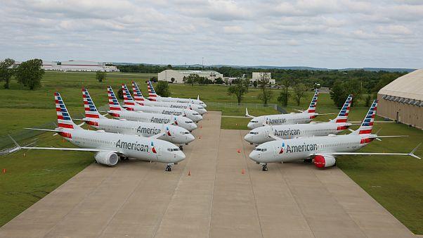 Boeing 737 MAX da american Airlines estacionados em Tulsa, EUA
