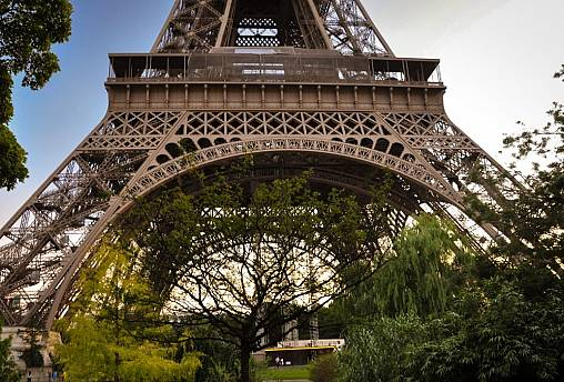 Eiffel tower, green space Paris