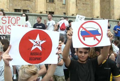 Georgia: il parlamentare russo scatena la protesta a Tblisi
