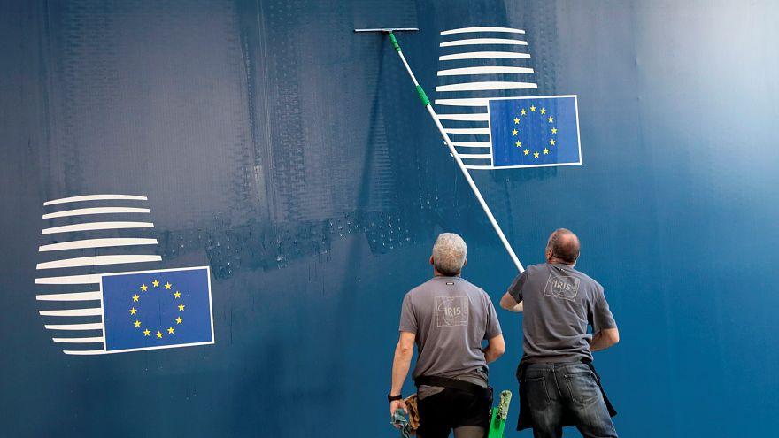 Заминки по кадрам и климату. ЕС и США