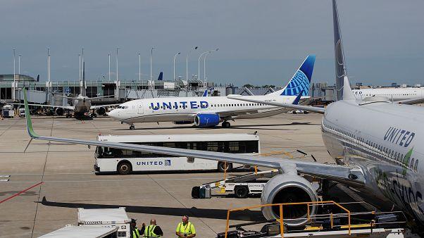 """طائرات مدنية تابعة للخطوط الجوية المتحدة """"يونايتد إيرلاينز"""""""