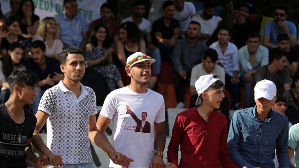 """""""AK Parti İstanbul'u muhafazakar Kürt seçmenin oylarıyla kazanmayı umuyor"""""""