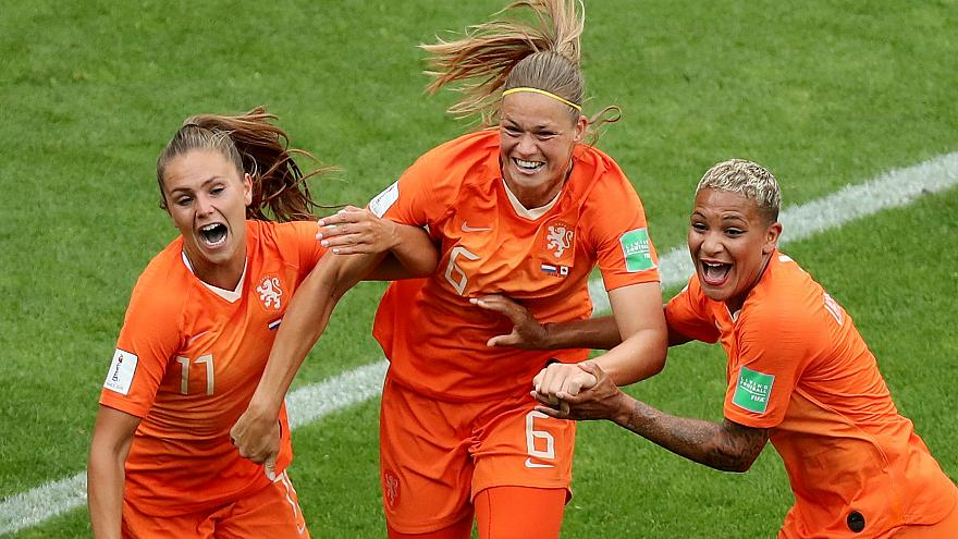 The Netherlands get maximum points in Group E after beating Canada 2-1