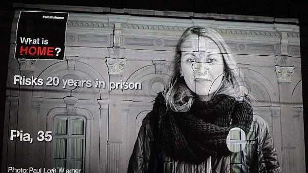 Bruxelles, proiettate le foto di chi salvò i migranti e ora rischia il carcere