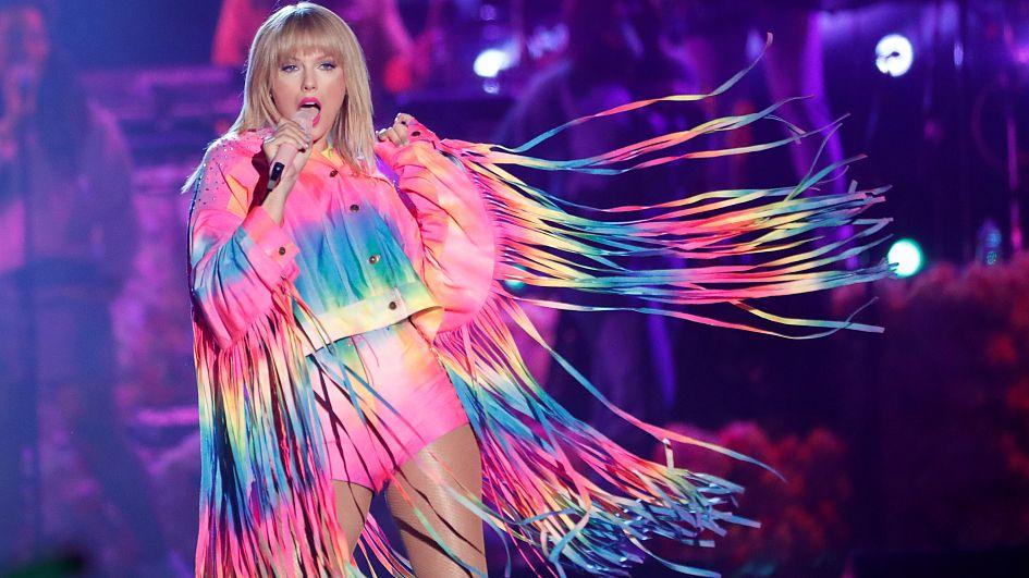 b6c77e079c Taylor Swift collaborates with sustainability icon Stella McCartney ...