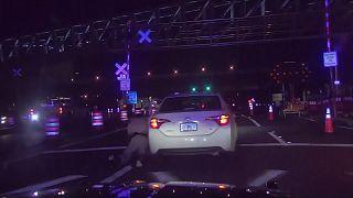 فردی که پلیس فلوریدا را با خودرو روی زمین کشاند متهم به تلاش به قتل شد