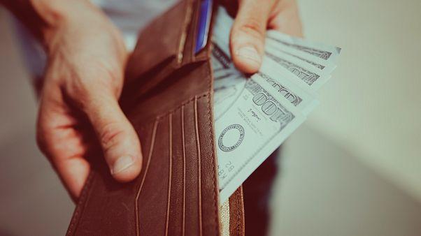 Araştırma: Kayıp cüzdanların sahibine ulaşma olasılığı içindeki nakit miktarına bağlı