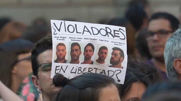 """""""La meute"""" condamnée pour viol en Espagne : 5 hommes de retour en prison"""