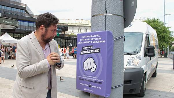 Mayoral candidate Gábor Kerpel-Fronius has a go venting his frustrations