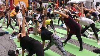 Les Yogis new-yorkais fêtent le solstice d'été