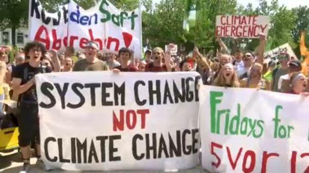 Allemagne : des militants écologistes ciblent une mine à ciel ouvert