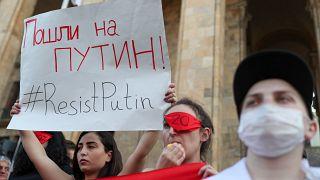 Туризм упёрся в политику: Москва и Тбилиси спорят о туристах