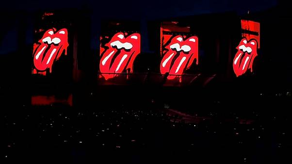 Aging British rocker Mick Jagger proves he can still strut on stage