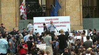 Georgianos nas ruas contra Moscovo