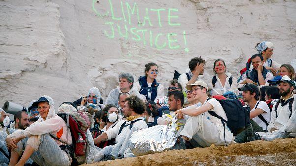 Detenidos decenas de ecologistas en Alemania tras su irrupción en una mina