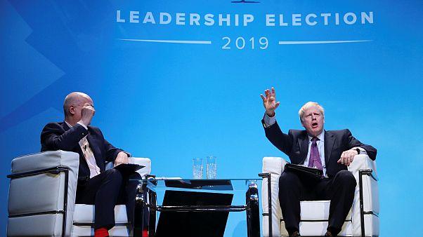 Başbakanlık yarışı için canlı yayına çıkan Johnson 'aile tartışmasıyla' ilgili soruları cevaplamadı