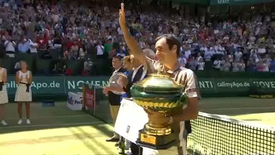 Federer gana en Halle por décima vez y está más cerca del récord de Connors