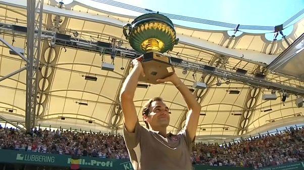 Federer siegt zum 10. Mai in Halle
