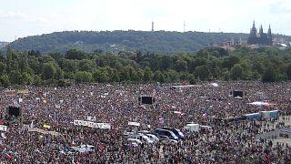 Prag: 250.000 demonstrieren gegen Premierminister Babis