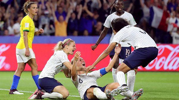 Amandine Henry après le but de la victoire