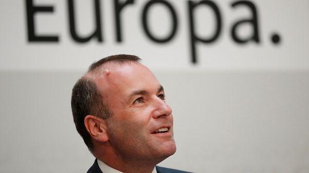 Néppárt: a fideszes képviselők nem tiltakoztak Weber jelölése ellen