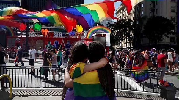 A brazil elnök ellen is tüntettek a São Pauló-i pride résztvevői