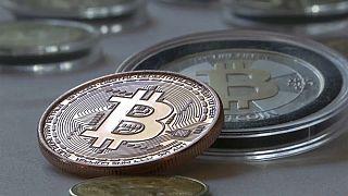 Bitcoin mantém-se em alta