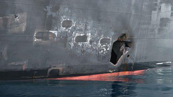 صورة تظهر الضرر الذي لحق بناقلة نفط تعرضت لهجوم في خليج عمان