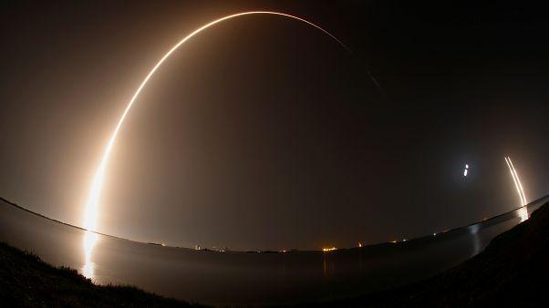SpaceX en ağır roketi Falcon Heavy'i fırlattı