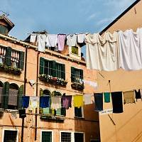 How to wash your clothes in an eco-friendly way