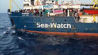 El Sea Watch entra en aguas italianas