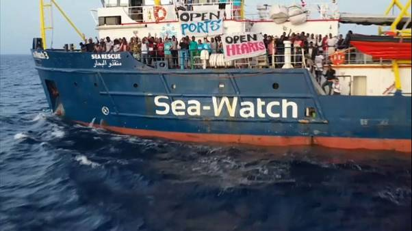 El Sea Watch entra en aguas italianas