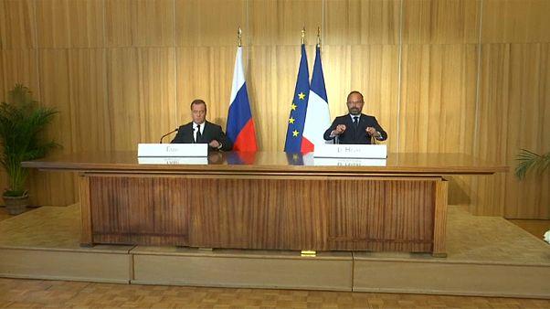 França apela à Rússia para implementar os acordos de Minsk
