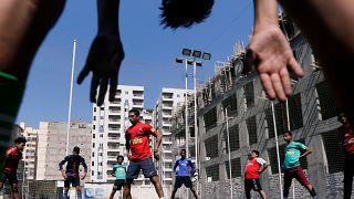 كرة القدم المصرية.. مراوحة بين حلم الاحتراف و كابوس العنصرية